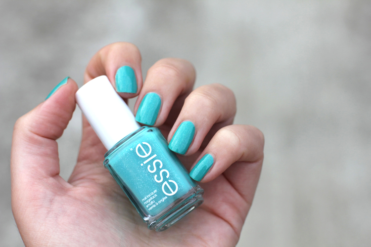 ESSIE_SUMMER_2013_ESSIE_NAUGHTY_NAUTICAL_SWATCH