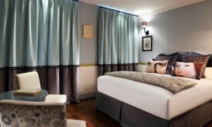 les-plumes-hotel-paris-size-727-500-300
