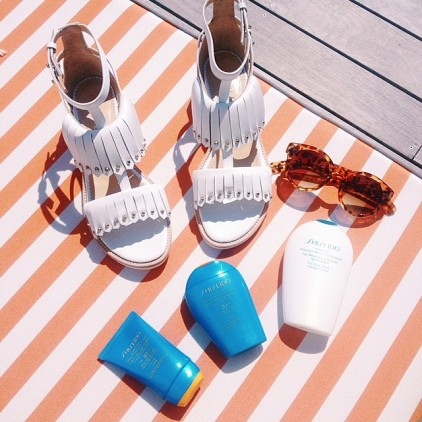 SUMMER_ESSENTIALS_ZOE