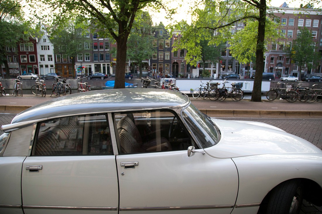 weekend amsterdam amoureux citroen ds canaux