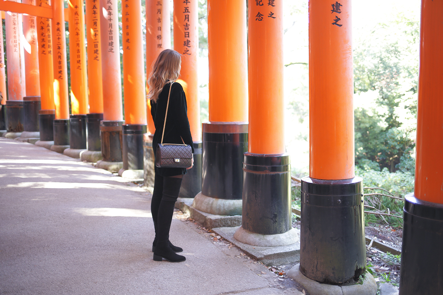 VELVET_DRESS_OTHER_STORIES_Fushimi_Inari_Taisha
